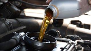 5 Arsyjet pse ndërrimi i vajit ndihmon automjetin tuaj